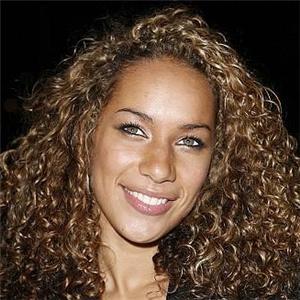 leona lewis curly hair - photo #21