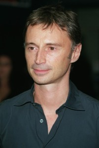 Le doc Robert+carlyle_855_18132179_0_0_1726_300