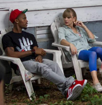 B.o>B and Taylor on the video set