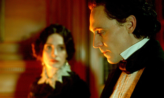 Crimson Peak Takes Hiddleston And Chastain To The Dark Side