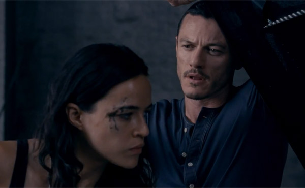 Luke Evans & Michelle Rodriguez in Fast & Furious 6