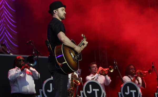 Justin Timberlake performing at Wireless Festival