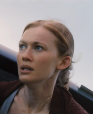 Karen Lane played by Mireille Enos in World War Z