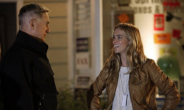 mark harmon l and emily wickersham r on ncis