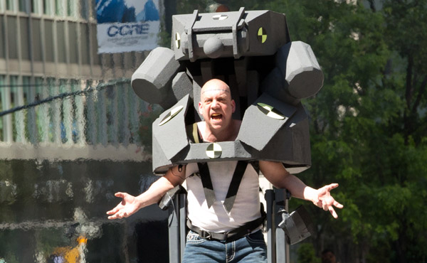 Paul Giamatti getting into the character of Rhino on the set of The Amazing Spider-Man 2