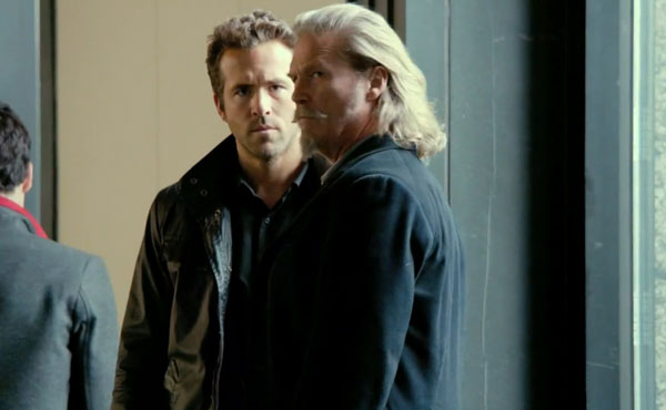 Jeff Bridges as Roy Pulsipher and Ryan Reynolds as Nick Walker in R.I.P.D