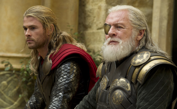 Chris Hemsworth, Anthony Hopkins, Thor: The Dark World Still