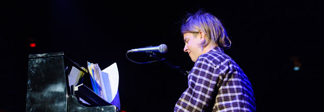 Tom Odell Performing