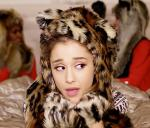 Ariana Grande - Santa Tell Me Video