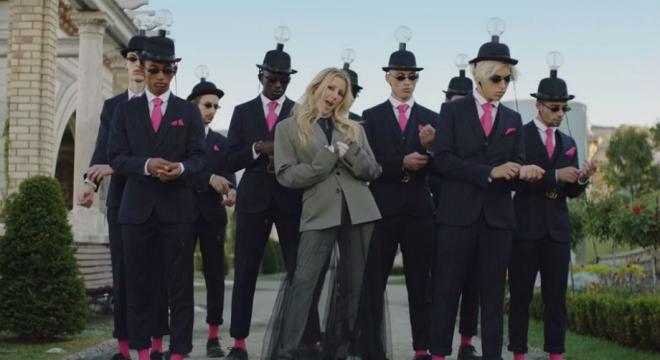 Ellie Goulding, Diplo, Swae Lee - Close To Me Video