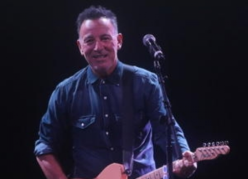 Bruce Springsteen Plays Private Gig For President Obama's Staff