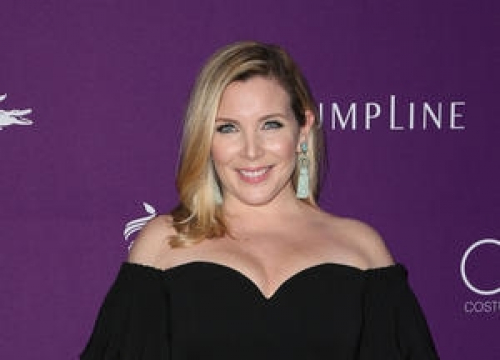 June Diane Raphael Feared Giving Birth On Grace And Frankie Set