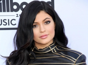 Teens Kendall Jenner And Kylie Jenner Reveal That Their Biggest Fear Is Ageing