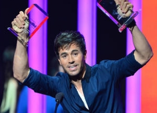Enrique Iglesias Charged With Obstruction And Driving With A Suspended Licence
