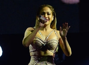 Jenny From The Block Moves To The Strip: Jennifer Lopez Announces 2016 Las Vegas Residency