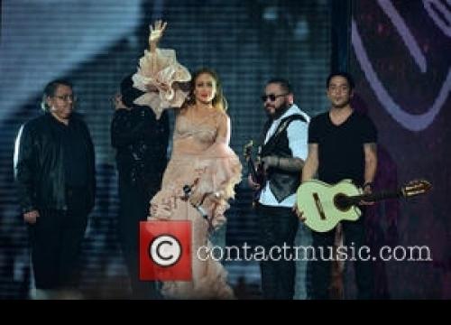 Jennifer Lopez And Christina Aguilera Record Tracks For Finding Neverland Album