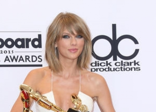 Taylor Swift Wins Big At Drama-filled Mtv Vmas