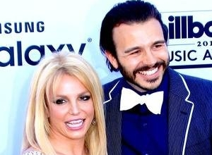 Britney Spears Posts Instagram Pic With Sons After Splitting With Boyfriend Charlie Ebersol