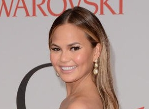 Chrissy Teigen In Awesome Put-Down To Body Shamer
