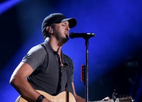 Luke Bryan Struggling With Wet Weather On Tour