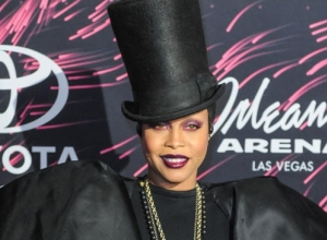 Erykah Badu Throws Some Serious Shade At Iggy Azalea During Soul Train Awards