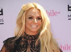 Is Britney Spears Miming On James Corden's 'Carpool Karaoke' Clip?