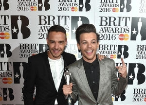 One Direction Beat Adele And Ed Sheeran To Second Silver Clef Best Live Act Prize