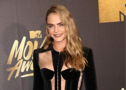 Cara Delevingne Loves Sex On A Plane
