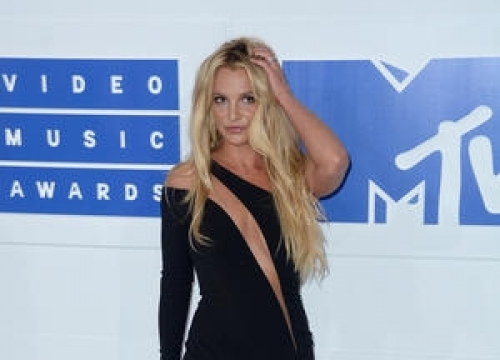 Britney Spears Divides Opinion With Vmas Comeback