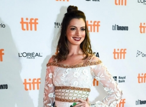 Anne Hathaway Had To 'Pretend To Be Happy' When She Won Oscar