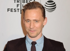 Tom Hiddleston Takes A Break From Taylor Swift To Appear At Comic-con