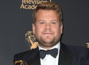 James Corden Deeply Regrets Kissing Sean Spicer While Drunk On Emmys Night