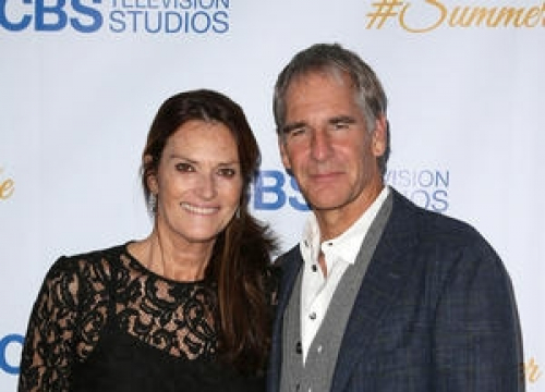 Scott Bakula To Romance Real-life Wife On Tv Hit
