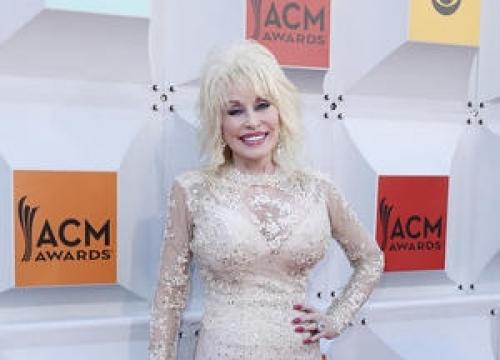 Dolly Parton: 'I Live On My Bus'