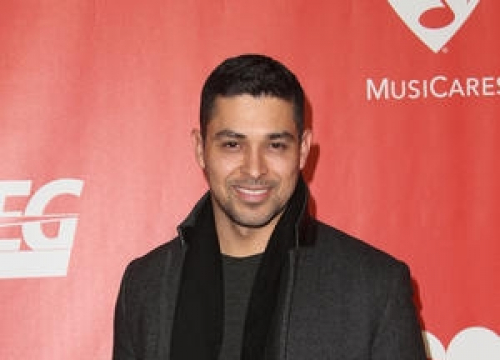 Wilmer Valderrama Makes The Price Is Right Game Show History