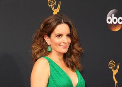 Tina Fey Teaching Daughters To 'Fight Back' Against Misogyny