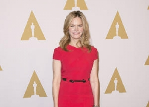 Jennifer Jason Leigh: 'I'm Good At Acting... Not Chatting'