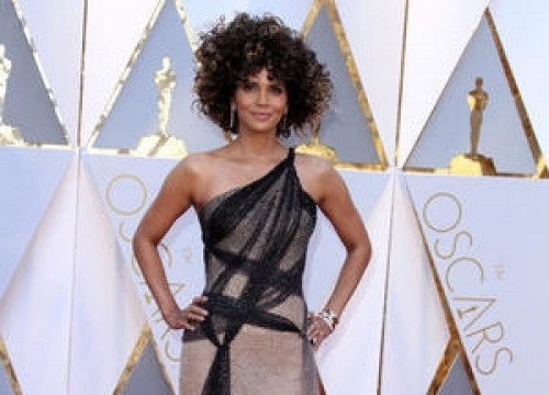 Halle Berry Sheds Oscars Dress In Style For Pool Dive