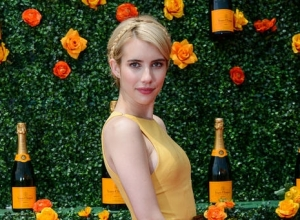 Emma Roberts Has A 'Complex About Being Pale'