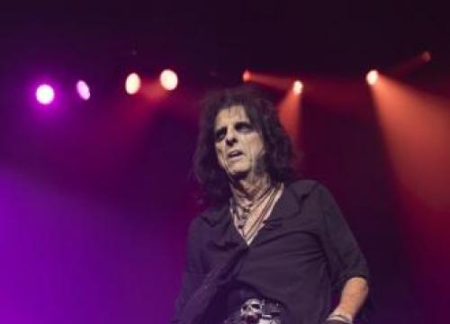 Alice Cooper Wins Top Honour At Sse Scottish Music Awards