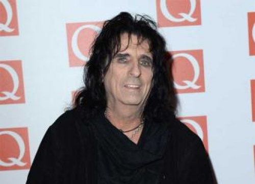 Alice Cooper thinks One Direction are 'pretty good'