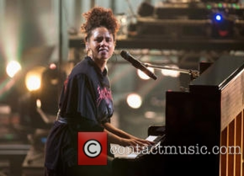 Alicia Keys Salutes Her Native New York City In Chad Smith's New Travel And Music Show