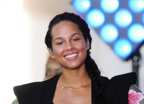 Alicia Keys Delivers Blistering Speech On Women's Rights At Washington Protest