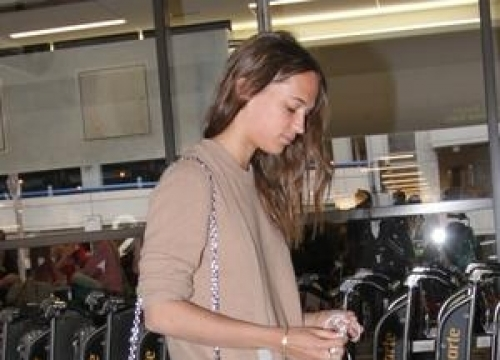 Alicia Vikander Sustained Chronic Back Injury In Ballet Training