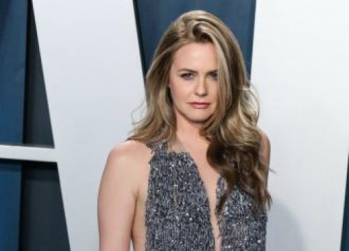 Alicia Silverstone: My Son's Vegan Diet Makes Him A 'calm Boy'