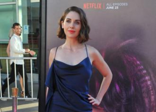 Alison Brie: Male Actors Are 'More Obsessed' With Their Appearance Than Females