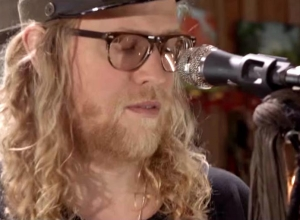 Allen Stone - Somebody That I Used To Know [Gotye Cover] Video