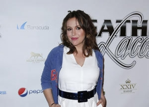 Alyssa Milano Isn't Happy With Heathrow Airport After Security Confiscated Her Breast Milk