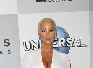 "Amber Rose Opens Up About Split From Wiz Khalifa: ""I'm Done Crying"""