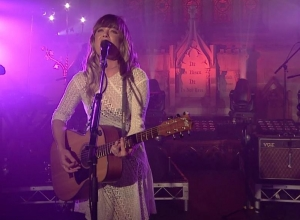 Angus & Julia Stone - You're The One That I Want (Live At The Chapel) Video